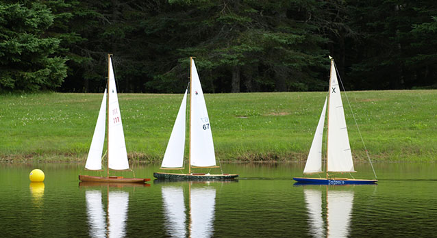 Pond yacht racing