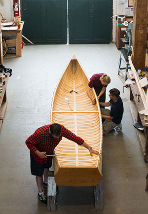 Building a wood and canvas canoe